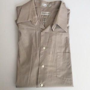 NWOT Van Heusen Button down Long Sleeves Shirts